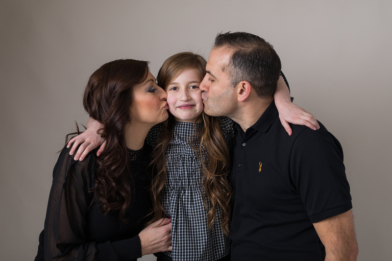 Family photographer, Huddersfield, Halifax, Brighouse, West Yorkshire. Book your session for £50